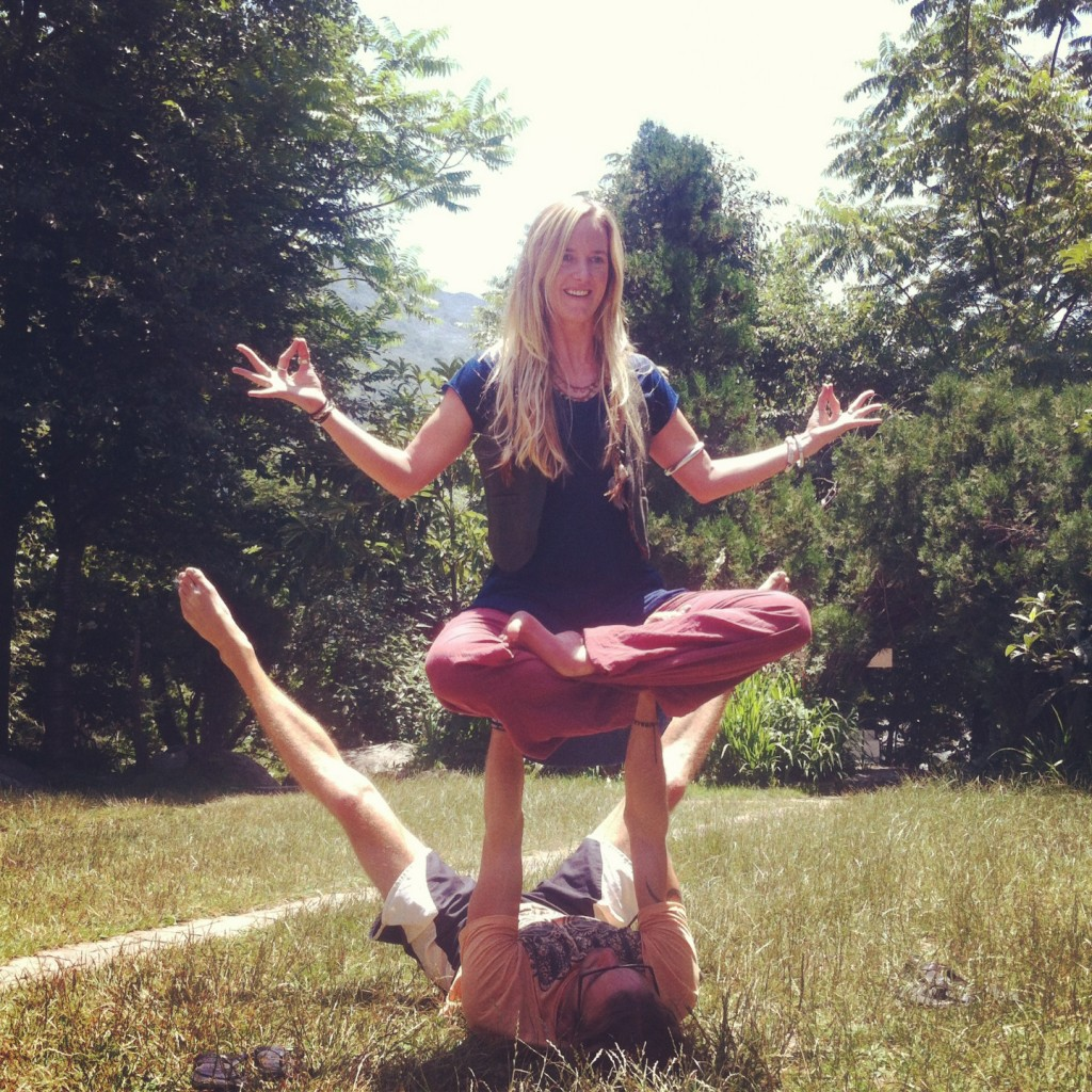 acro yoga play